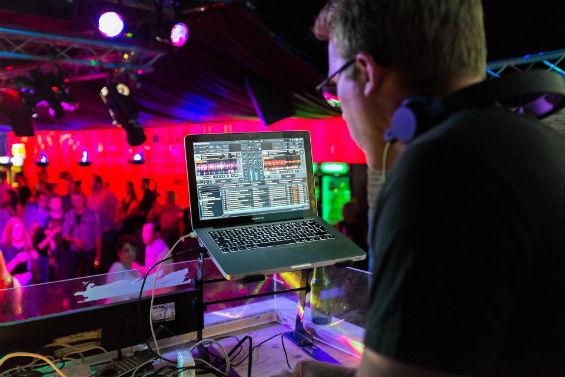 Musique ou DJ pour votre bande son ?