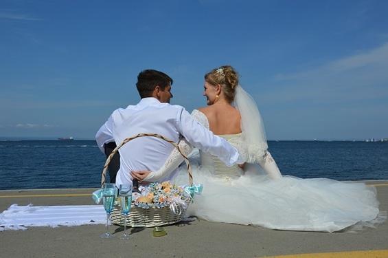 """Le jeu du """"Elle et Lui"""" : un incontournable des mariages français"""