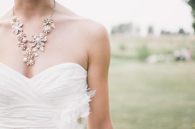 Quel bijoux pour quel robe